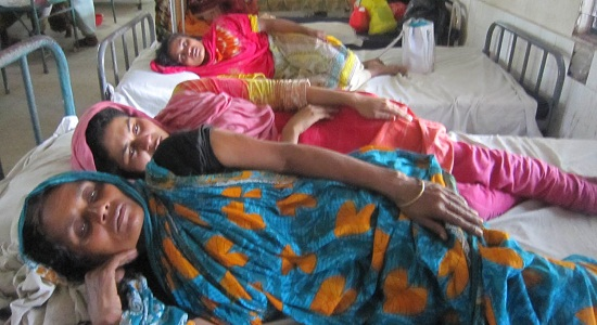 গৌরীপুরে বউ শাশুড়ি কলেজ ছাত্রী শ্যালিকাকে পিঠিয়ে আহত করল জামাই