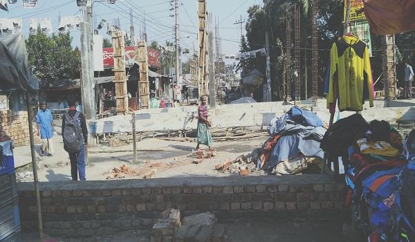 গৌরীপুর রেলওয়ে স্টেশন রি-মডেলিং কাজে ধীরগতি, ট্রেন যাত্রীদের দুর্ভোগ