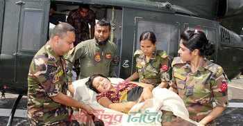 প্রসব বেদনায় মা, হেলিকপ্টারে হাসপাতালে নিল সেনাবাহিনী