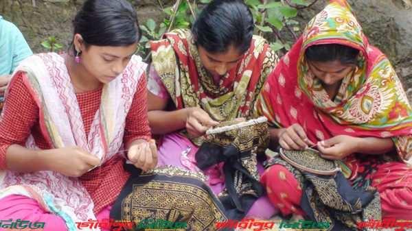 ঈদের নকশী পণ্য তৈরিতে ব্যস্ত ৫০ হাজার নারী