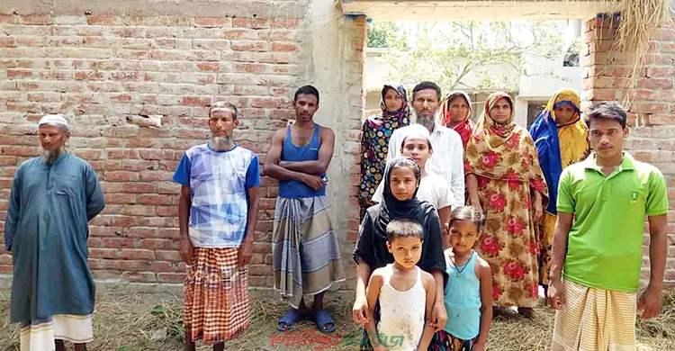 মাতব্বরদের সিদ্ধান্তে মসজিদেও যেতে পারে না ৫ পরিবার
