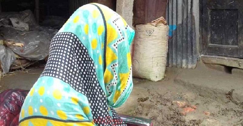 মায়ের পরকীয়া প্রেমিকের সঙ্গে মেয়ের বিয়ে, এলাকায় তোলপাড়
