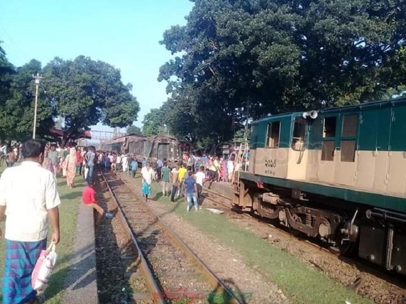 রংপুরে ভয়াবহ ট্রেন দুর্ঘটনা, বহু হতাহত
