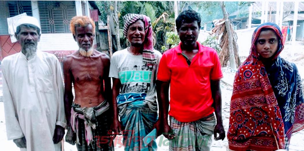 কার্ড থাকলেও কপালে জুটছে না বরাদ্দের চাল