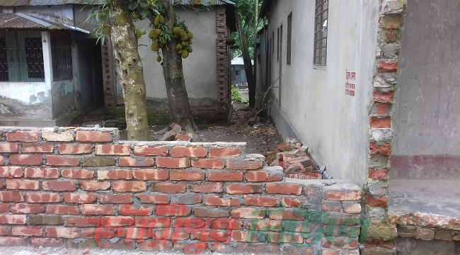 গৌরীপুরে পূর্ব দাপুনিয়ায় জমি সংক্রান্ত বিরোধে সংঘর্ষের ঘটনায় পাল্টাপাল্টি মামলা, গ্রেফতার-২