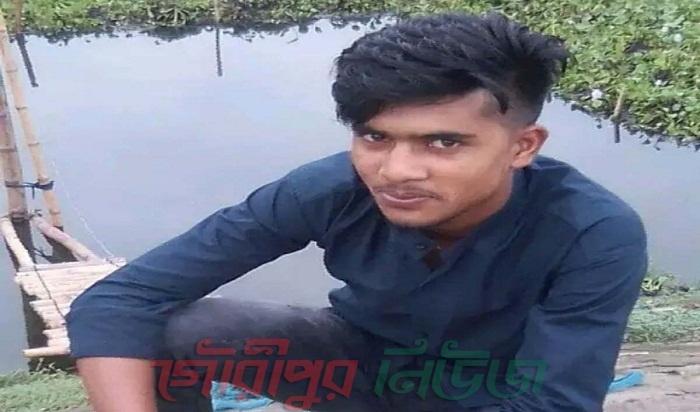কু-প্রস্তাবে রাজি না হওয়ায় স্কুল ছাত্রীকে অপহরণ করল বখাটে যুবক