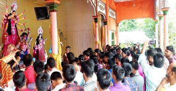 গৌরীপুরে ৫৭টি মন্ডপে অনাড়ম্বর পরিবেশে পালিত হচ্ছে দূর্গাপূজা